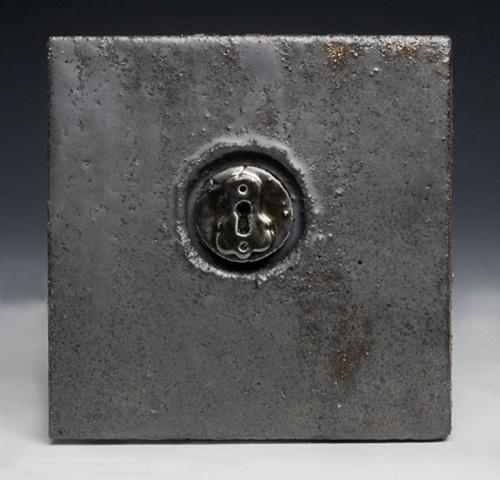 Keyhole Tile
