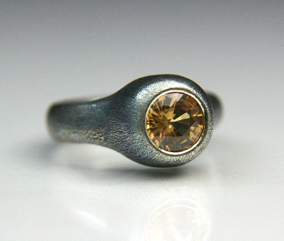 """9mm"" Ring in Silver with Golden Zircon"