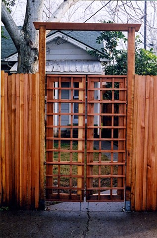 Fence gate entrance