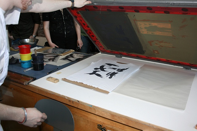 Jason Wells screen printing t-shirts