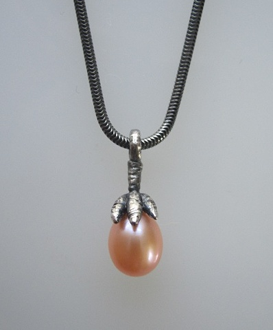 Claw Pendant with Pink Pearl Droplet