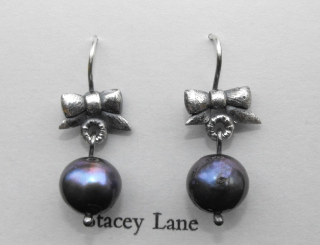 Victorian Bow with Dark Grey Dangles