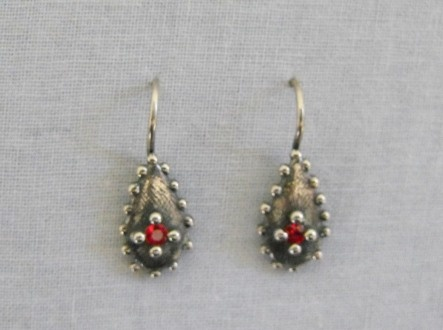 Dotted Droplet Earrings
