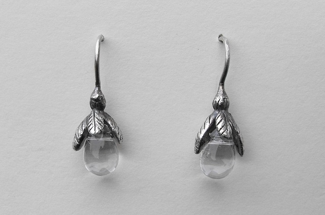 Glass Droplet Bud Earrings