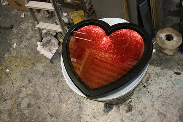 HEART (GLITTER RED)