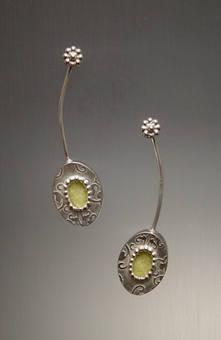 Green Oval Pattern Dangle Earring