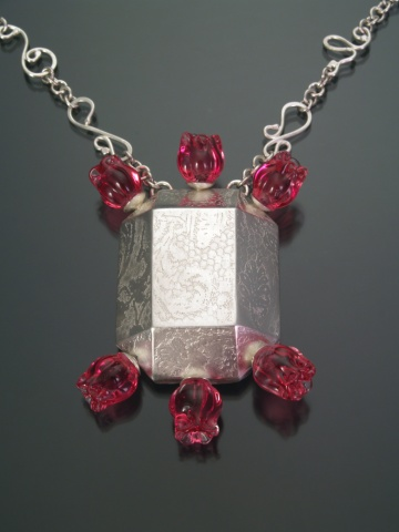Glamour Gem Necklace