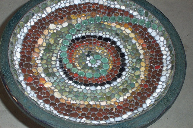 Spiral Bead Pebble Bird Bath