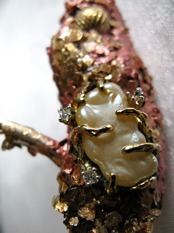 Specimen #10 - Gold, Diamonds and Pearl Detail 2